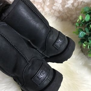 UGG🔴classic short Kids Waterproof black 4